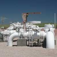 Differences in Differentials Evaluating Natural Gas and Crude Oil Prices in Wyoming